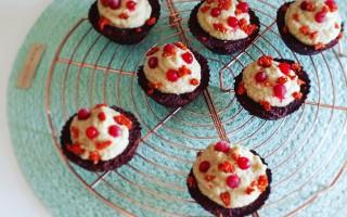Red Velvet Cupcakes met frosting